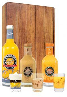 Geschenkverpackung mit den VERPOORTEN Editionen Bombardino, Pfirsich-Maracuja und Amaretto-Apricot Eierlikör